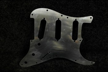 Strat Aluminum Shield 60's