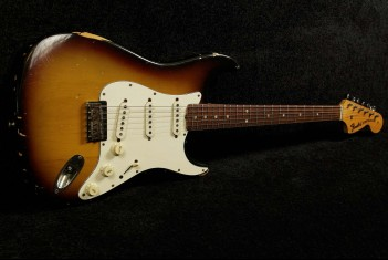 Fender Stratocaster 1971  3-Tone Sunburst with Original Case