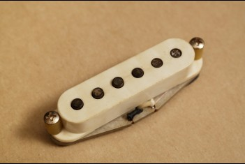 Rebel Vintage 63 Strat Pickup - Neck Position