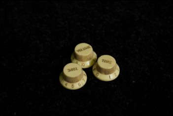 Strat Knobs 60's Cream